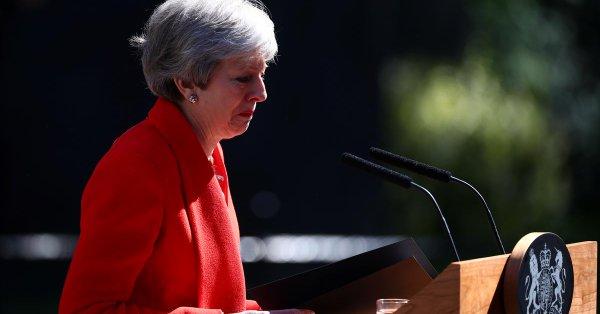 """ماي تأسف لحالة الاستقطاب ب""""بريكست"""" وتجنب مناظرة انتخابية 2017"""