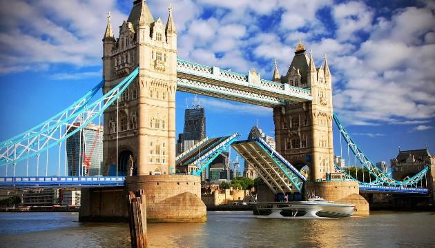 125  عاما على تشييد جسر برج لندن