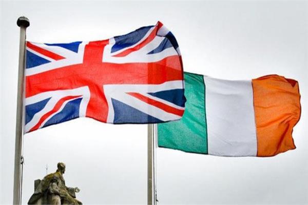 وزير أيرلندي: مستقبل العلاقة مع بريطانيا قابل للتفاوض