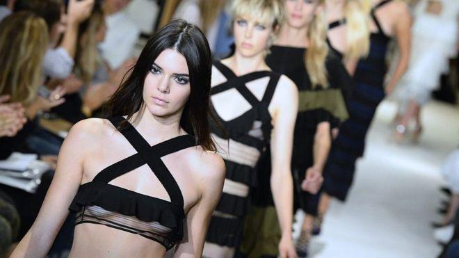 دار أزياء سونيا ريكيل تغلق أبوابها وتُعرض للتصفية