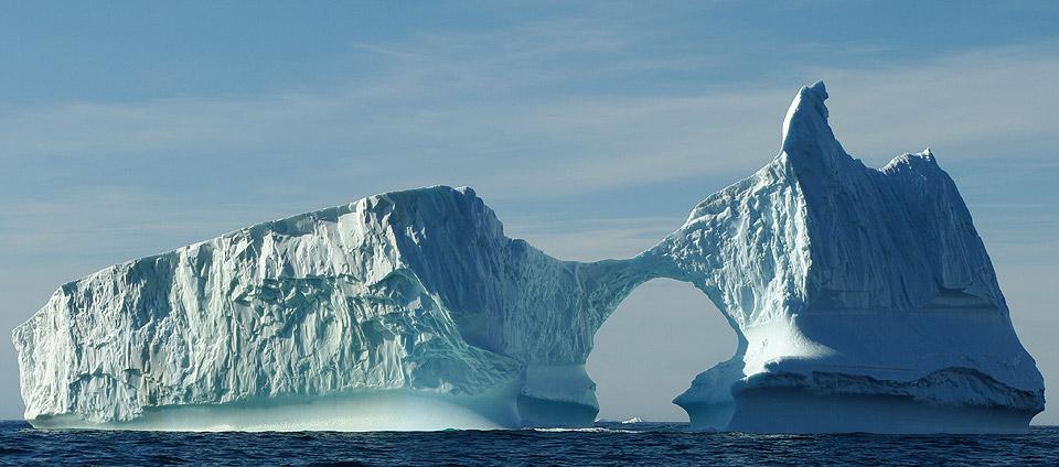 """""""بولارشتيرن"""" سفينة عملاقة تستعد لبعثة إستكشافية  بالقطب الشمالي"""