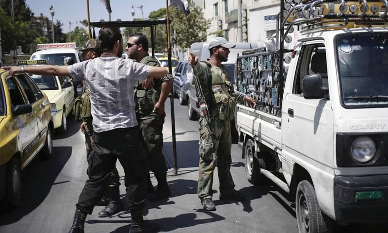 الجيش السوري يفرض حصارا على بلدات ريف حماة الشمالي