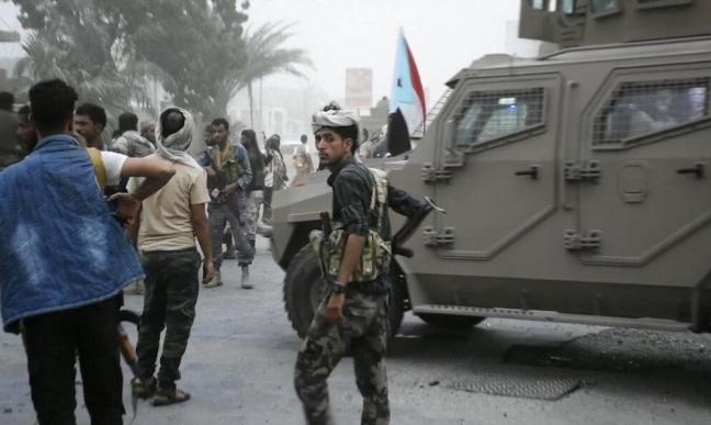 الحكومة اليمنية تتهم الامارات بتفجير الوضع في شبوة