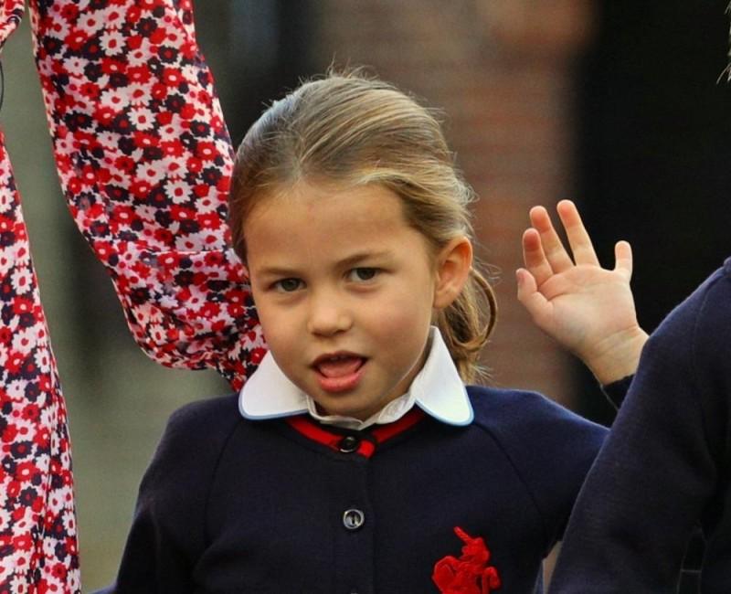 الاميرة شارلوت تبدأ مشوارها الدراسي في مدرسة بجنوب غرب لندن