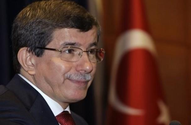 استقالة رئيس وزراء تركيا السابق داوود أوغلو من الحزب الحاكم