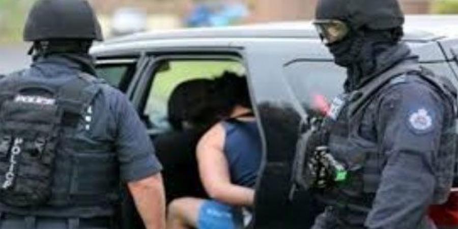 طالب مصري مكتئب في الجيزة يقتل شقيقته الصغرى