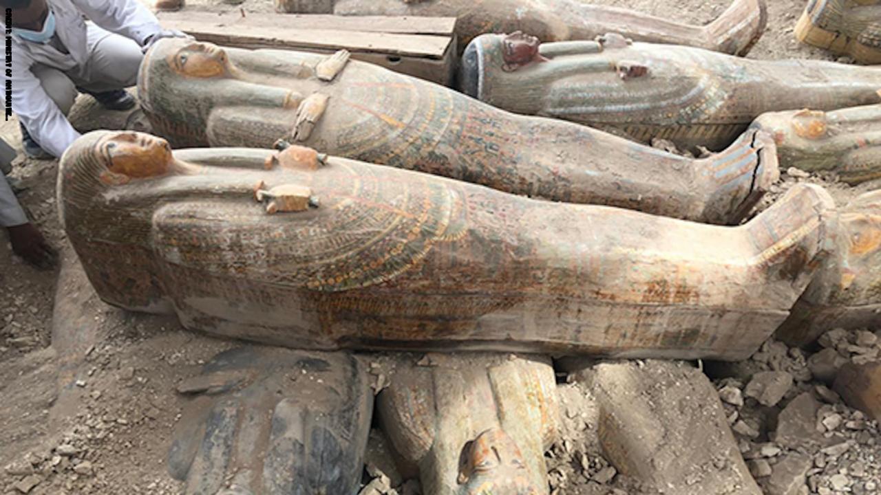 اكتشاف أكثر من 20 تابوتاً فرعرنيا في مدينة الأقص