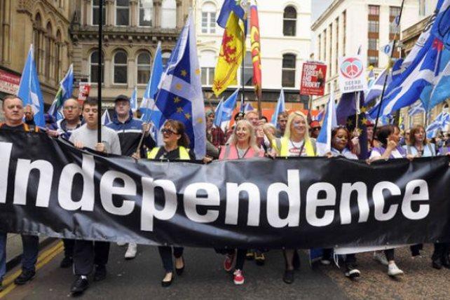 الآلاف في مسيرة لندن للمطالبة بإجراء استفتاء جديد على بريكست