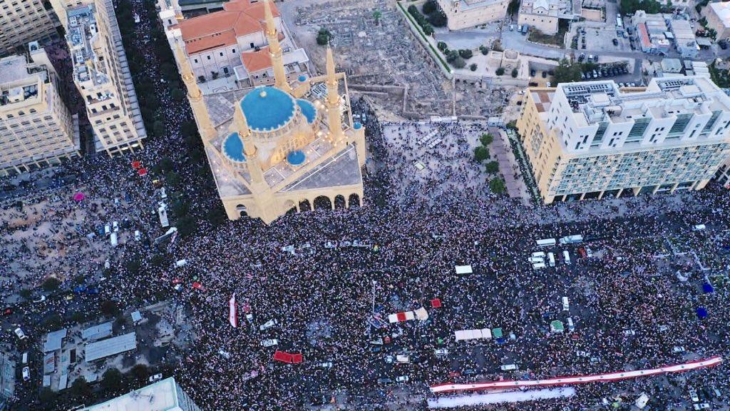 لبنان.. جعجع يدعو الحريري لتشكيل حكومة جديدة ..مختلفة