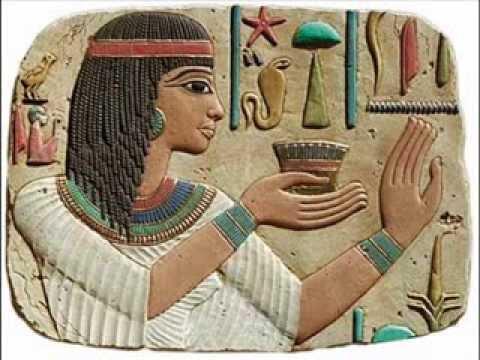 عائلات مصرية تتوارث حرف فرعونية في مدينة عمرها 3500 عام