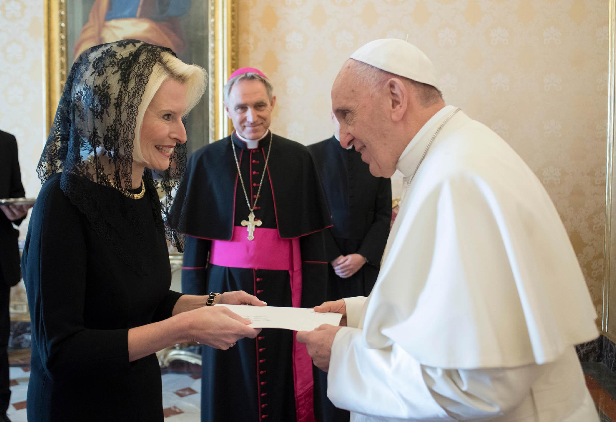 البابا فرنسيس يعين امرأة وكيلة لوزارة خارجية الفاتيكان