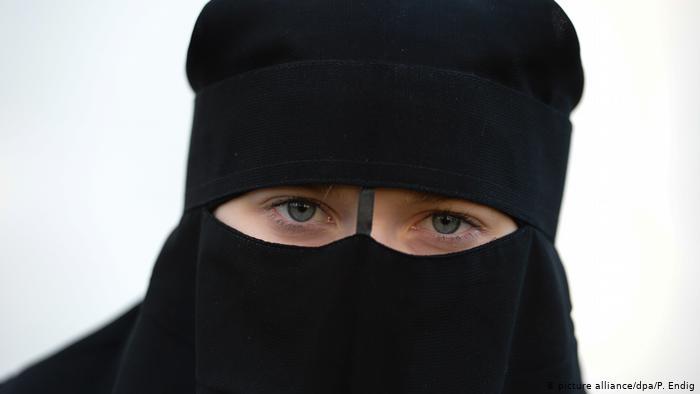 محكمة ألمانية تؤكد إلغاء حظر دخول تلميذة لمدرستها بالنقاب