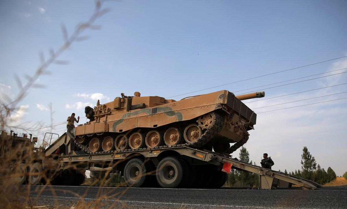 الارتال التركية تواصل التدفق وتدمير مواقع للنظام بإدلب