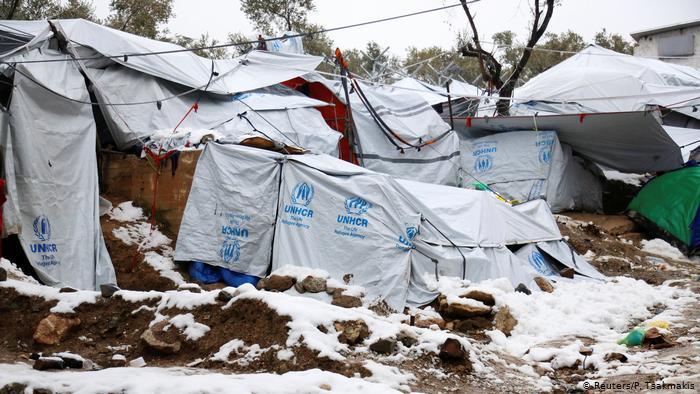 اضراب جزر يونانية احتجاجا على إقامة مخيمات جديدة للمهاجرين