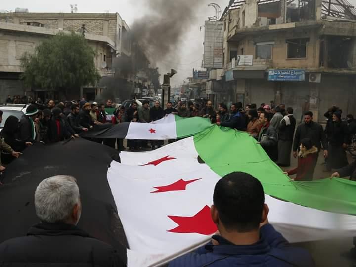 الإعلام السوري والروسي ينفيان سيطرة المعارضة على سراقب