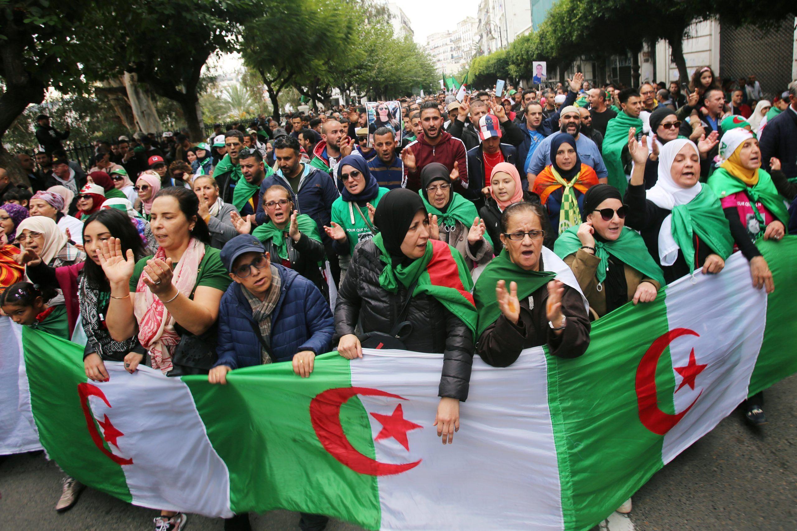 الجزائر: قوى غير وطنية تسعى لتحويل الحراك الشعبي الى تمرد