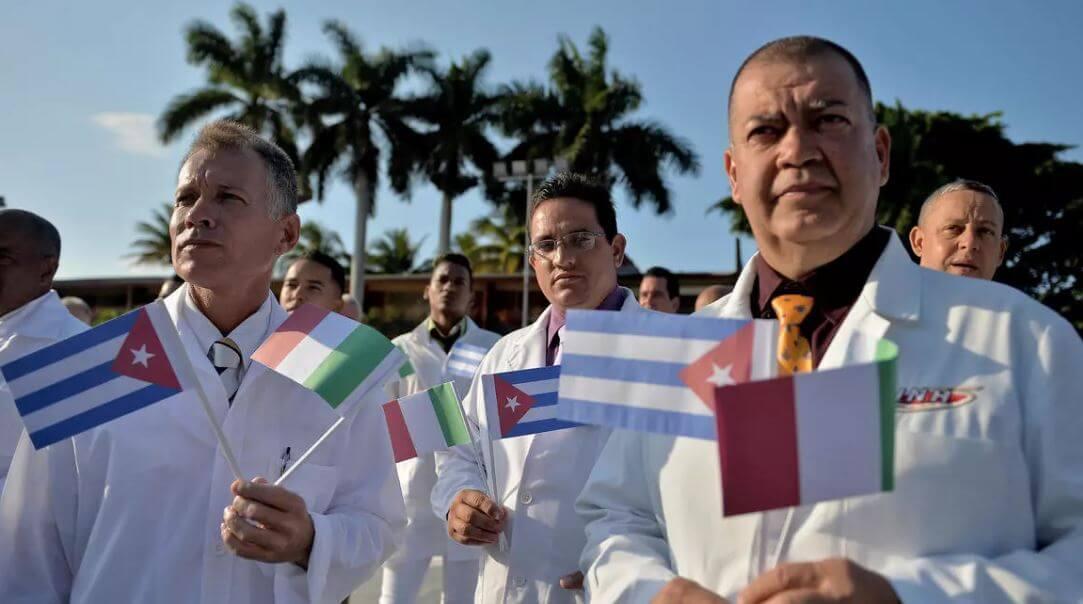 كوبا: تصدير الأطباء للمساعدة في مواجهة أزمة فيروس كورونا