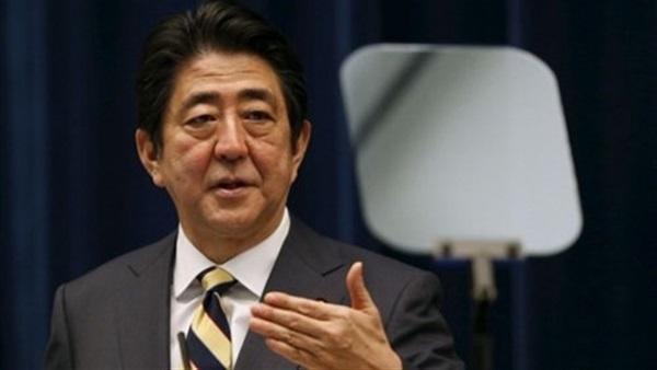 رئيس وزراء اليابان يعتزم توفير أقنعة من القماش لكل أسرة