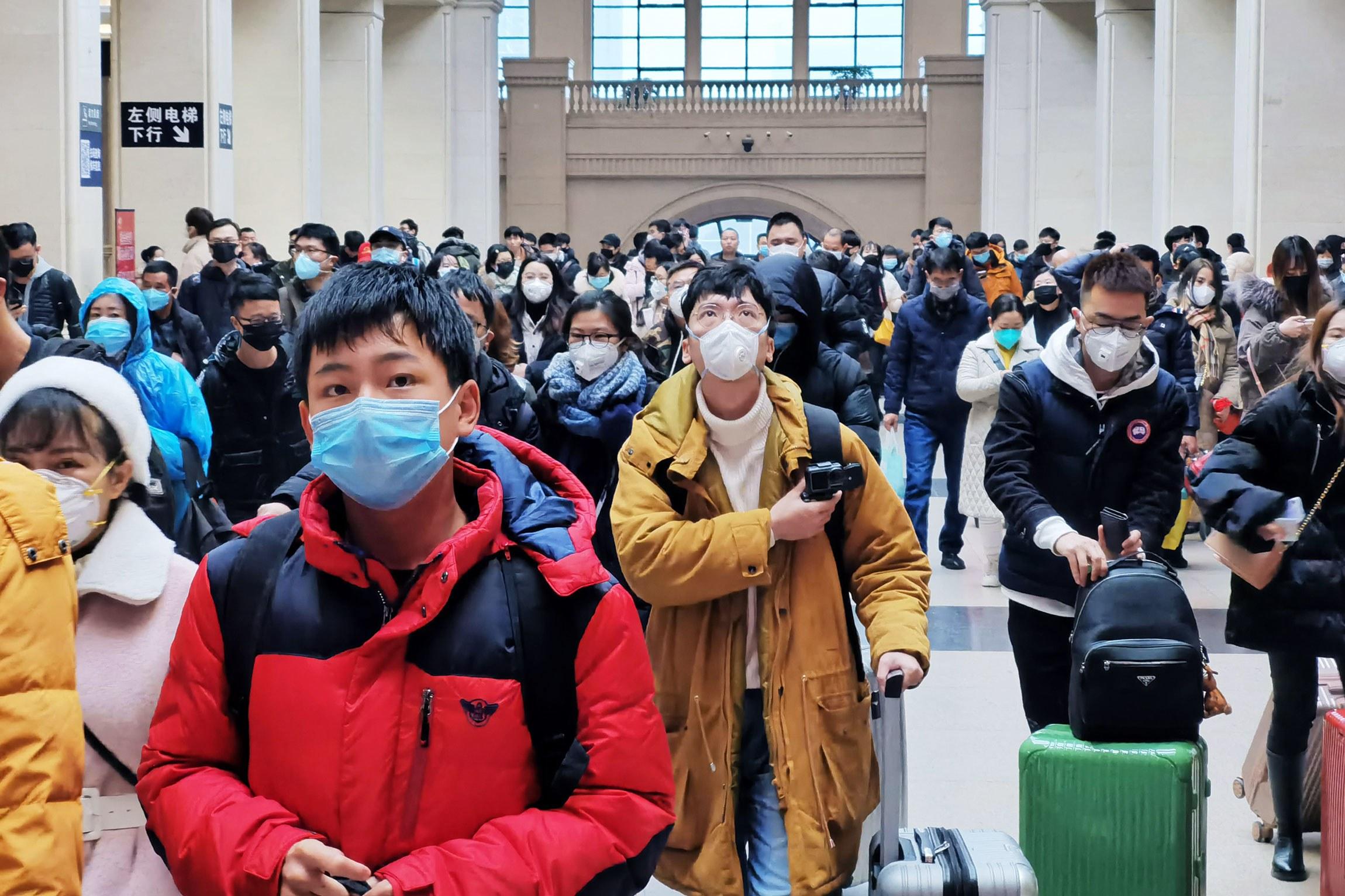 """الادعاء بارتباط كورونا بمختبر في ووهان الصينية محض """"تخمين"""""""