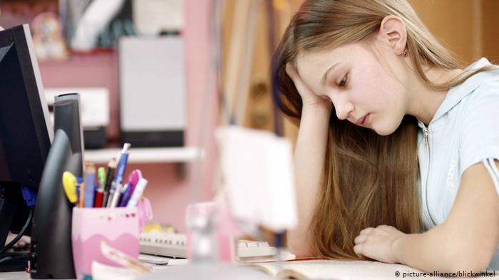 تراجع الحافز لدى الأطفال خلال التعليم المنزلي في زمن كورونا