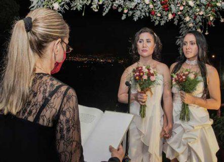 زواج مثلى بين امرأتين في كوستاريكا سابقة من نوعها بأمريكا الوسطى
