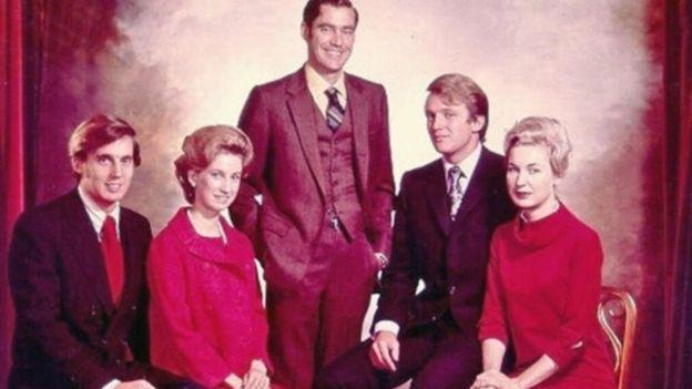 صورة لأشقاء ترامب، (من اليمين): ماريان، دونالد، فريد، إليزابيث، روبرت