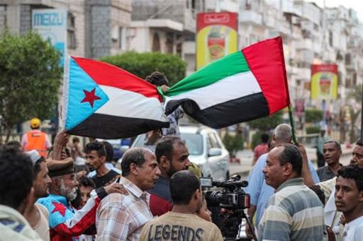"""حكومة اليمن: الانتقالي """"المدعوم إماراتيا"""" نفذ """"انقلابا"""" بسقطرى"""