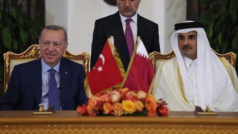 اردوغان يزور قطر في أول وجهة خارجية له منذ تفشي كورونا