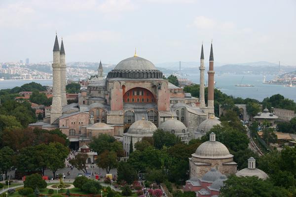 روسيا تنتقد مقترح تحويل تركيا متحف آيا صوفيا لمسجد