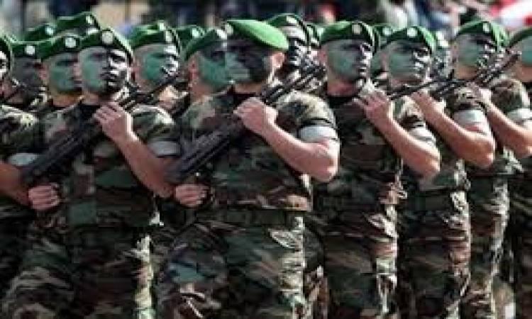 القضاء العسكري الجزائري يتهم 3 عسكريين بالخيانة العظمى