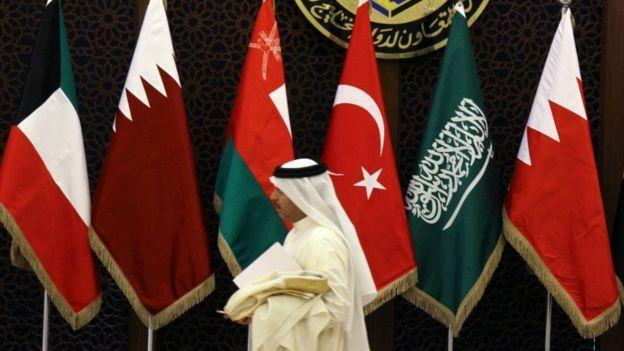 لماذا تعرقل الإمارات كافة المبادرات الساعية لاتفاق خليجي؟