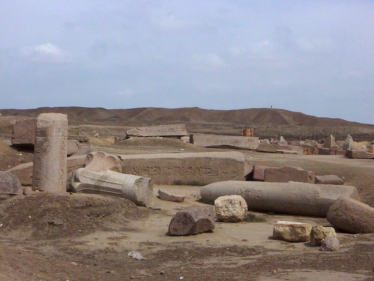 تانيس ..مدينة الغموض والتوابيت والكباش والبحيرات المقدسة
