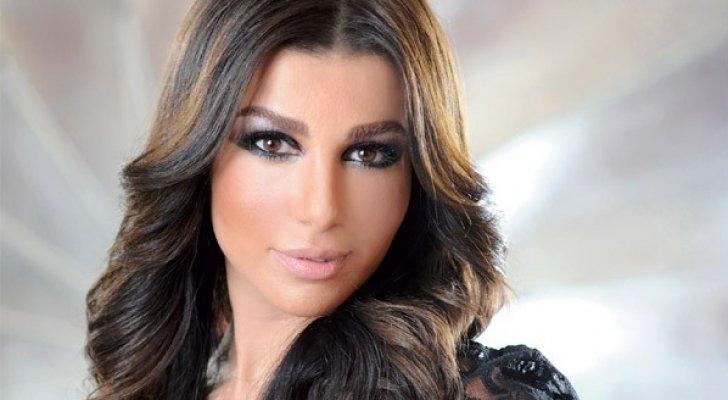 ترحيل الإعلامية اللبنانية سازديل من الكويت بسبب صور مخلة بالآداب