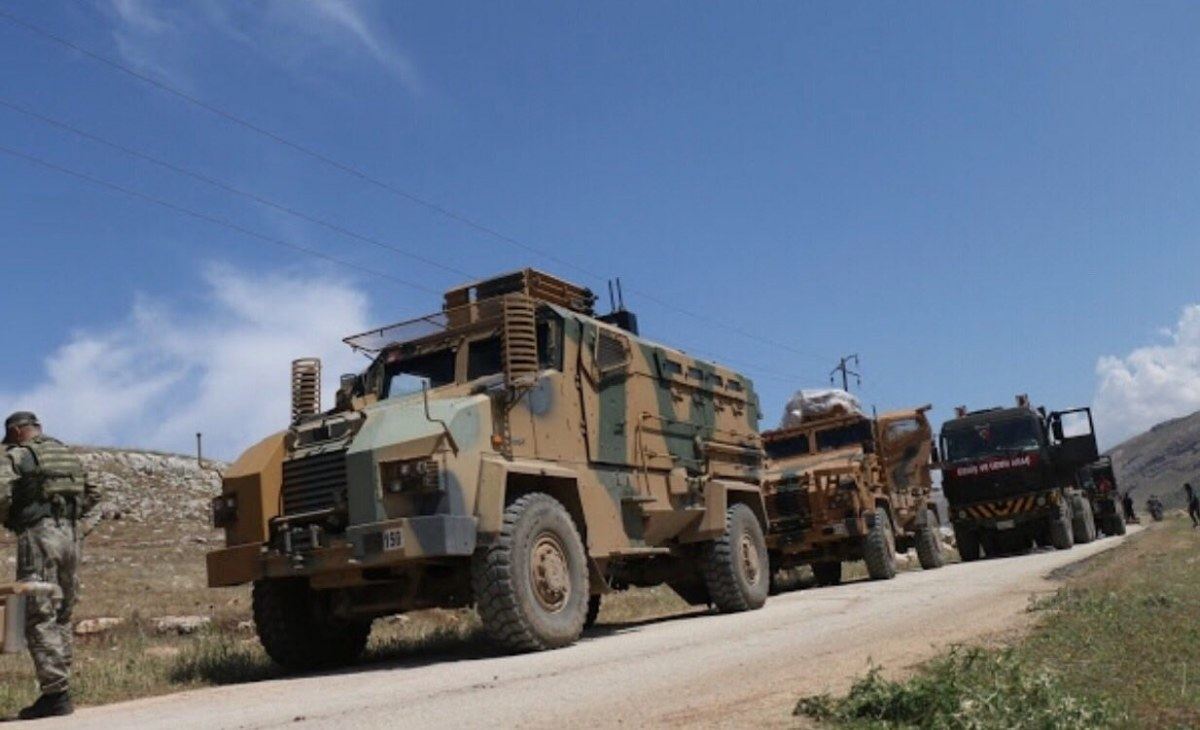 الجيش التركي يدخل دبابات ثقيلة من كفرلوسين إلى إدلب
