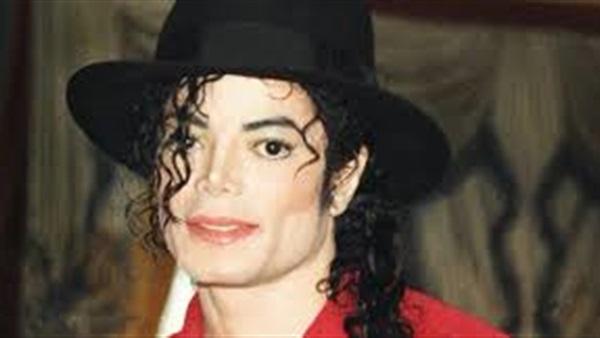 مايكل جاكسون مايزال المغني الأعلى دخلا بعد سنوات على رحيله