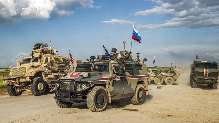 محلل استراتيجي: موسكو ضعيفة ومرتبكة بسوريا والقرار ليس بيدها