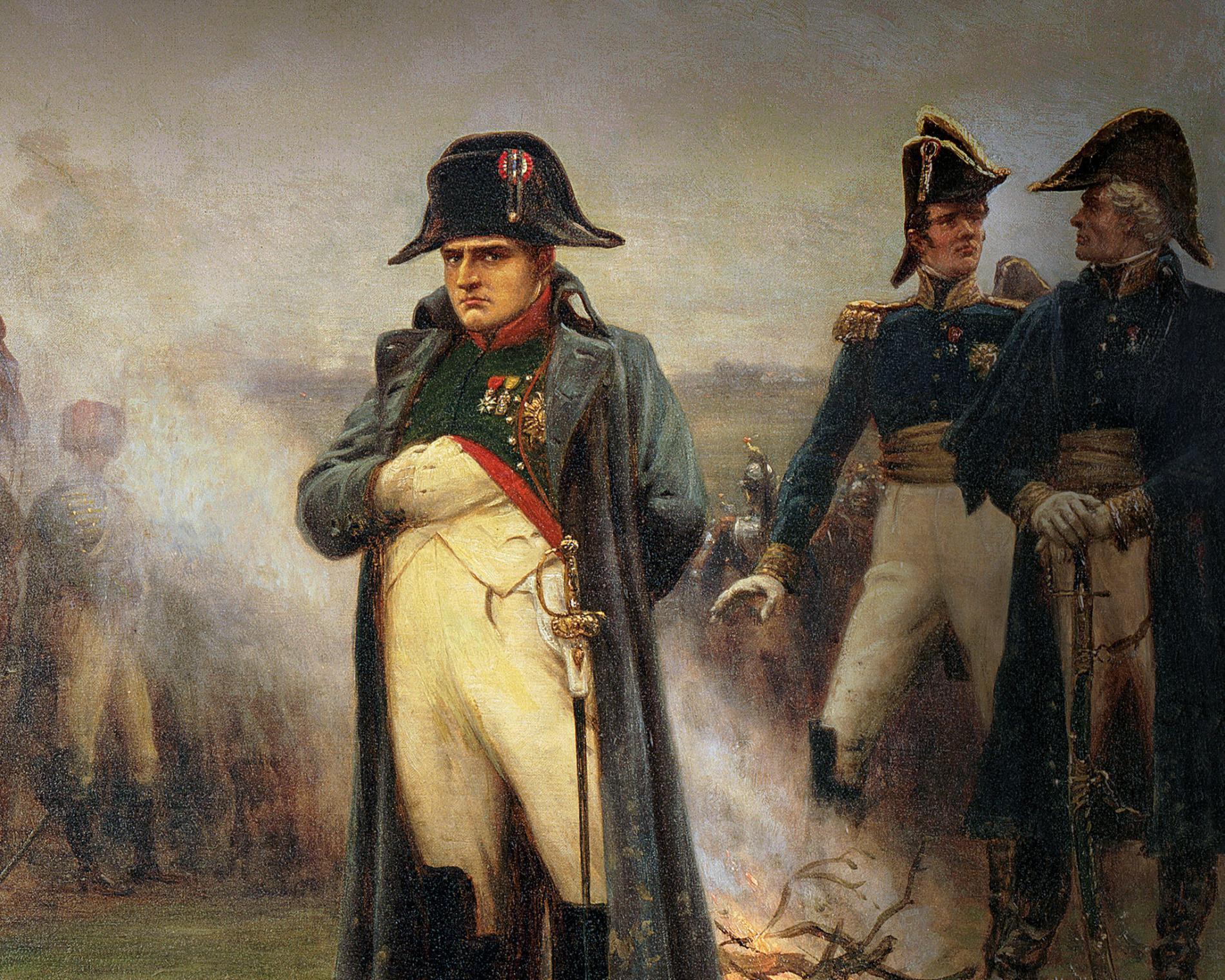 قرنان بعد نابليون.. كيف تنتقي فرنسا تاريخاً خالياً من العبودية والاستعمار؟