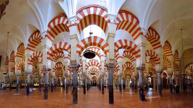 من الاعتقادات الخاطئة عن اسبانيا أن الإسلام دين المهاجرين فقط