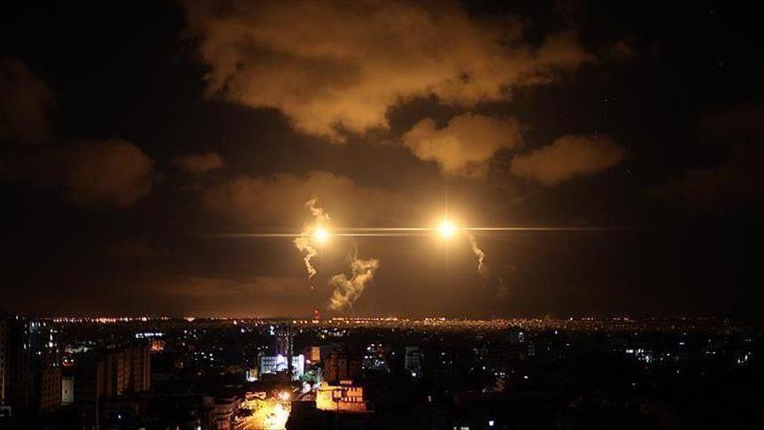 غارات إسرائيلية على مواقع لحزب الله في حمص تدمر مستودعات