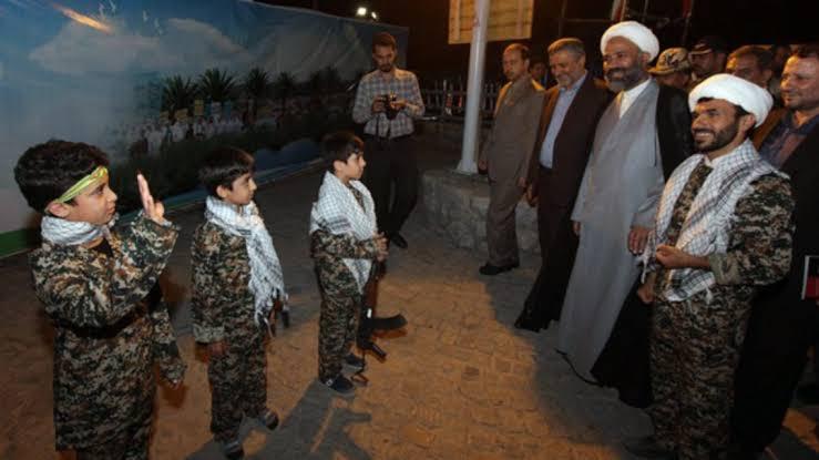 تجنيد الأطفال.. أحد جرائم المليشيات الإيرانية في سوريا