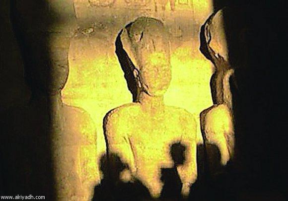 اليوم تعامد الشمس على قدس أقداس الإله آمون بمعابد الكرنك بالأقصر