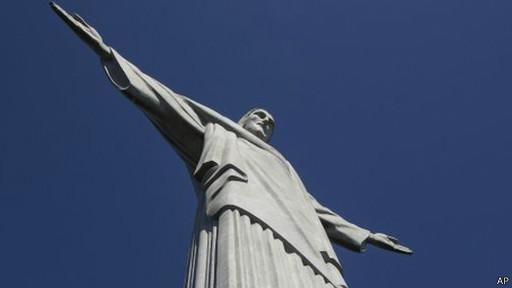 تمثال المسيح في البرازيل