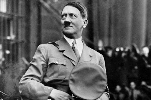 عرين الذئب ....إقامة معرض  فني جديد في مخبأ هتلر البولندي