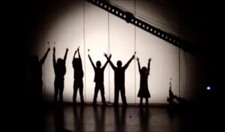 """""""طلعنا على الضوء"""" مسرحية تعيد التفاؤل لأطفال اللجوء السوري"""
