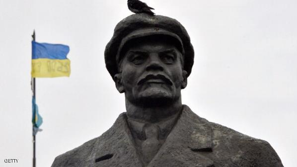 ألمانيا توقف البحث عن رأس تمثال لينين