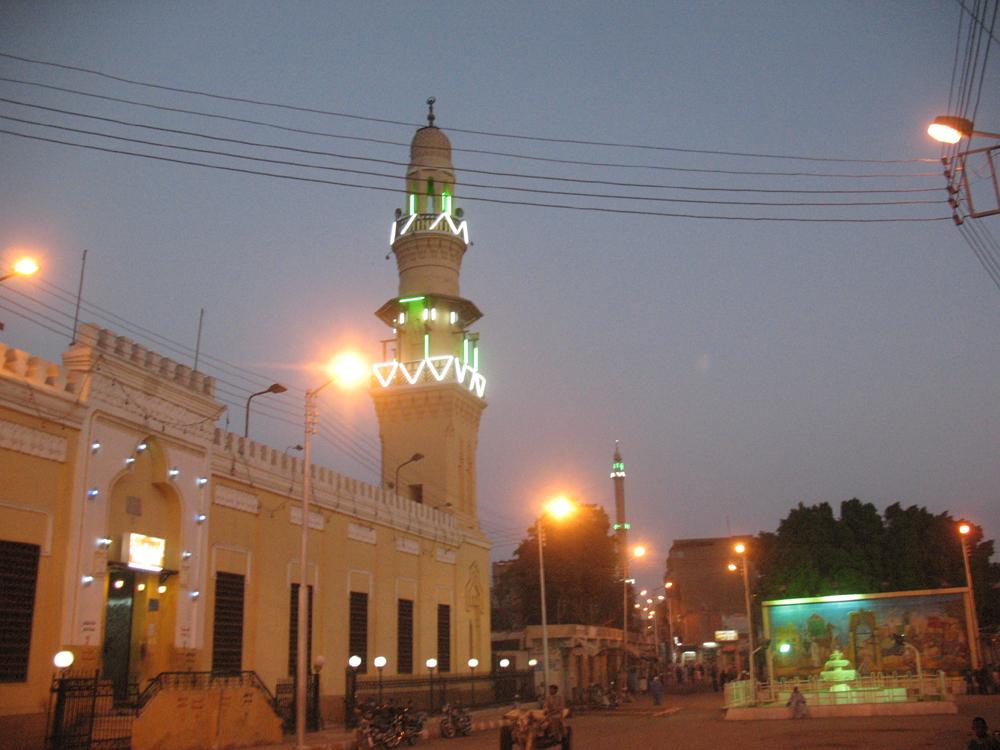 المسجد العمرى بمدينة قوص المصرية ... تحفة فنية تؤرخ للفنون الاسلامية