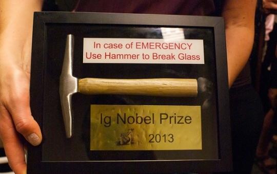 """جوائز """"نوبل مقلدة"""" للأبحاث """"الهزلية"""""""