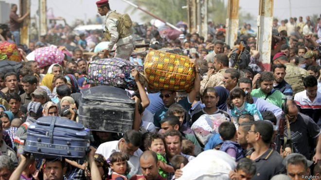 الحكومة العراقية تشترط وجود كفيل لنازحي الأنبار قبل دخول بغداد