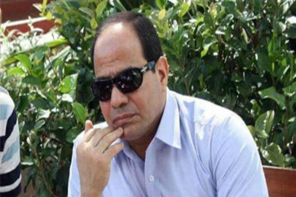 السيسي يعفو عن 165 من المحكم عليهم بقضايا قانون التظاهر