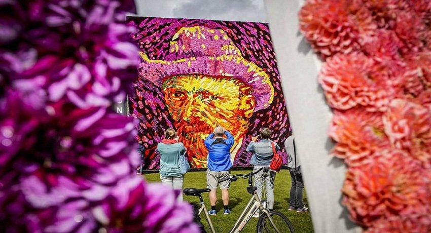 أمستردام تتذكر فان جوخ بصورة له مكونة من 50 ألف وردة